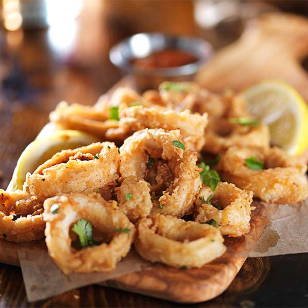 calamari fritti fried calamari served with mixed salad